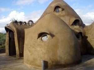 Sabeis algo de esta casa?
